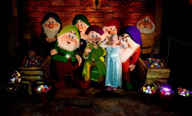 Disney 7 Dwarves Chloe
